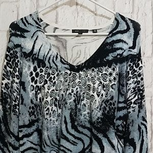 BCBGMaxAzria Sweaters - BCBGMAXAZRIA Sweater